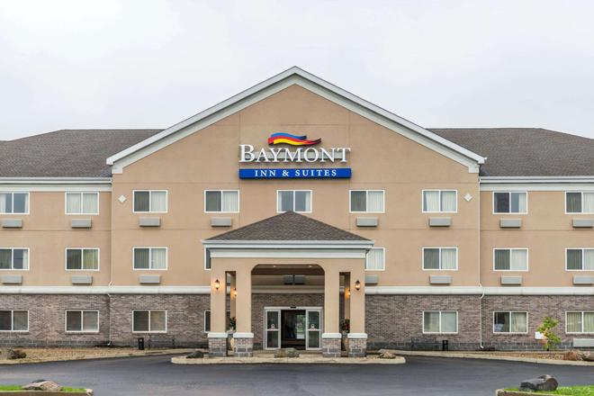 Baymont by Wyndham Indianapolis Northeast - Indianapolis - Building