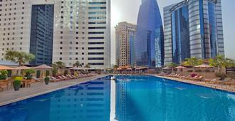 Ezdan Hotel - Doha - Zwembad