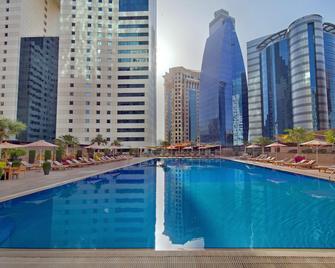 Ezdan Hotel - Доха - Pool