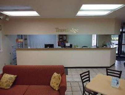 Travelodge by Wyndham Florence - Florence - Front desk