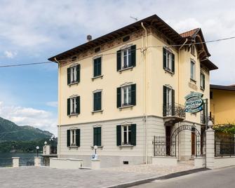 Hotel Helvetia - Lezzeno - Building