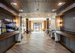 Best Western Plus Hill Country Suites - San Antonio - Lobby