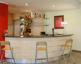 Holiday Inn Express Parma - Parma - Bar