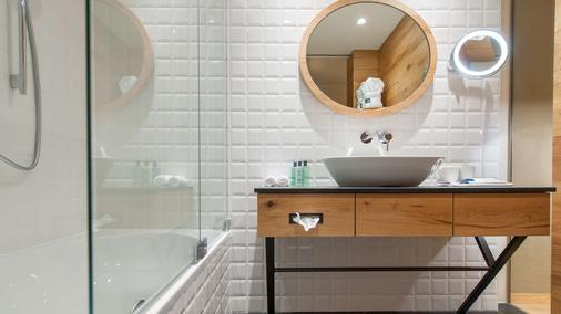 Aqua Dome - Tirol Therme Längenfeld - Längenfeld - Bathroom