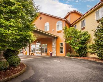 Comfort Suites - Corvallis - Building