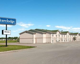 Travelodge by Wyndham Brooks - Brooks - Building