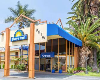 Days Inn Los Angeles - Inglewood - Gebouw