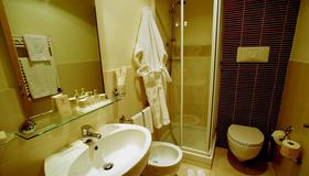 Hotel Sisto V - Rome - Bathroom