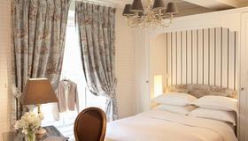 Hotel Saint Germain - Paris - Bedroom