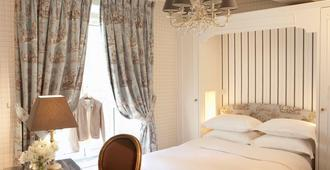 Hotel Saint Germain - Paris - Bedroom