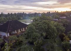 Sri Ratih Cottages - Ubud - Pemandangan luar