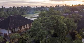 Sri Ratih Cottages - Убуд - Вид снаружи