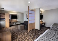 Microtel Inn & Suites by Wyndham Florence - Florence - Bedroom