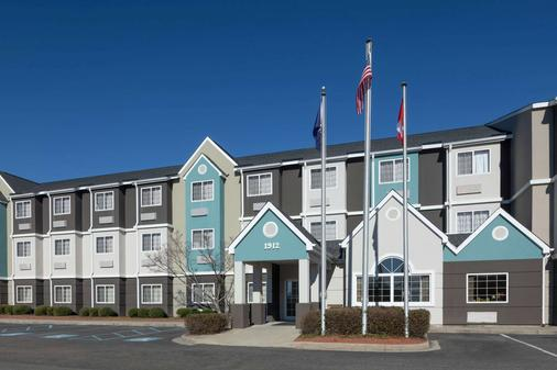 Microtel Inn & Suites by Wyndham Florence - Florence - Building