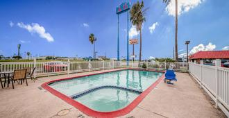 Motel 6 Corpus Christi, TX - Corpus Christi - Pool