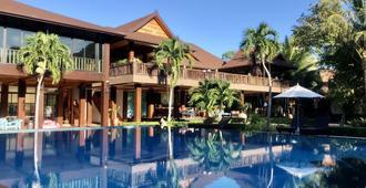 Phi Phi Villa Resort - קופיפי