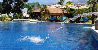 Puri Mangga Sea View Resort And Spa - Buleleng - בריכה