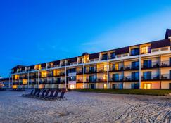 Best Western Plus Dockside Waterfront Inn - Mackinaw City - Building