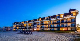 Best Western Plus Dockside Waterfront Inn - Mackinaw City - Gebäude