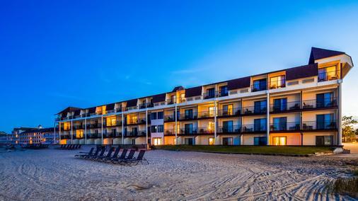 貝斯特韋斯特普拉斯碼頭海濱旅館 - 麥基諾市 - 麥基諾城 - 建築