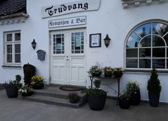 Trudvang Gjestegård - Larvik - Building