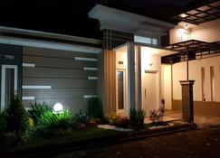 Villa Mutiara Batu - Batu - Edificio