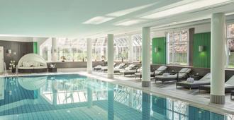 Radisson Blu Hotel Dortmund - Dortmund - Svømmebasseng