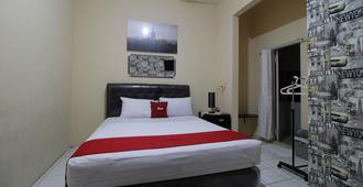 RedDoorz @ Pondok Kopi - Jakarta - Bedroom