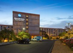 Best Western Royal Plaza Hotel & Trade Center - Marlborough - Building