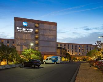 Best Western Royal Plaza Hotel & Trade Center - Marlborough - Gebouw