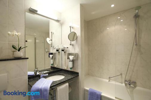 Stadthotel Engel - Ettlingen - Bathroom