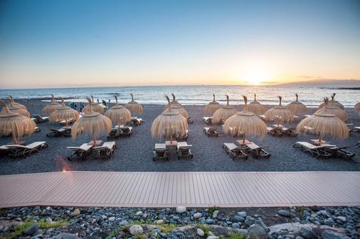 Royal Hideaway Corales Suites - by Barceló Hotel Group - Adeje - Beach