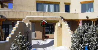 Adobe and Stars Bed and Breakfast Inn - Taos - Outdoors view