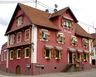 Hôtel Restaurant À L'ange - Lembach - Building