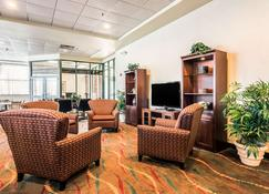 Clarion Suites at the Alliant Energy Center - Madison - Pokój dzienny