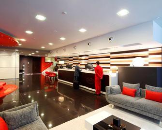 Hotel Axis Vigo - Vigo - Lobby