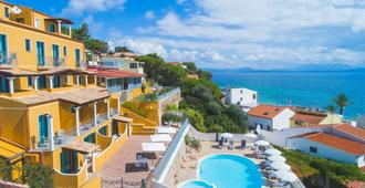 Lu' Hotel Maladroxia - Sant'Antioco
