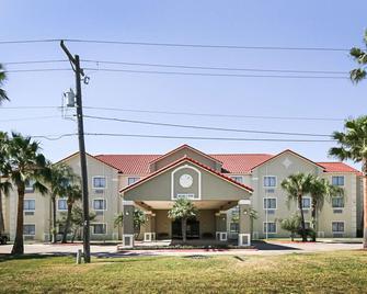 Quality Inn Kingsville Hwy 77 - Kingsville - Building
