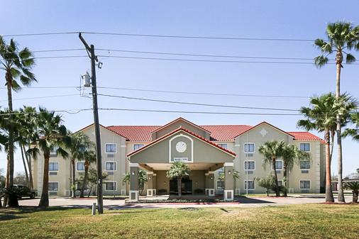 Quality Inn Kingsville - Kingsville - Building