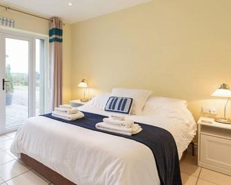 Fifty Five Ballyhome, Portrush - Portrush - Bedroom