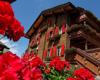 Hotel Walliserkanne - Grächen - Gebouw