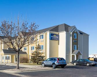 Microtel Inn & Suites by Wyndham Sioux Falls - Sioux Falls - Building
