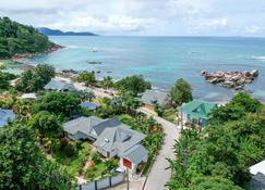 ニデーグル - Grand'Anse Praslin - 屋外の景色