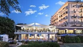 大西洋酒店 - 里喬內 - 瑞吉歐 - 建築
