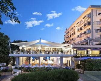 Atlantic Hotel - Riccione - Building