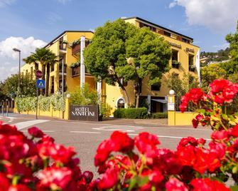Hotel Santoni Freelosophy - Torbole - Building