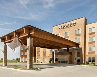 Country Inn & Suites by Radisson, Indianola, IA - Indianola - Building