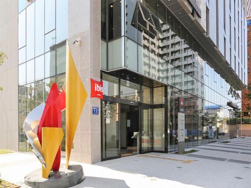 ibis Ambassador Busan Haeundae - Busan - Building