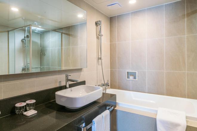 ibis Ambassador Busan Haeundae - Busan - Bathroom