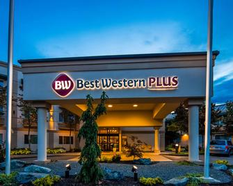 Best Western Plus Edmonds Harbor Inn - Edmonds - Building